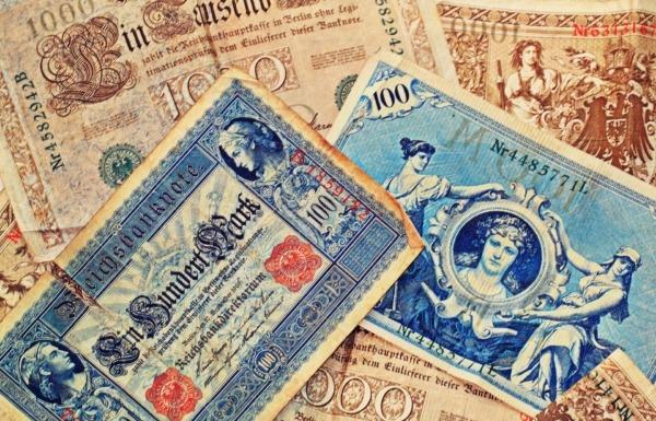 Geldscheine im Pfandhaus als Pfand