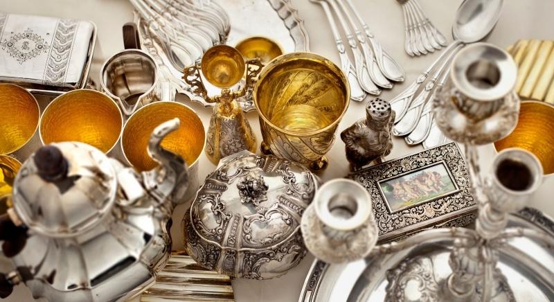 SIlber Gold Kunst Gegenstand Pfand Pfandhaus